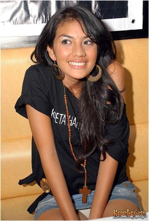 Penampakan Celana Dalam Artis Indonesia Terlengkap | topmedan